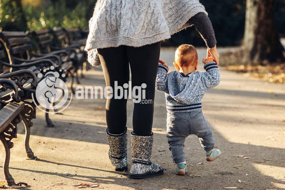 Bebekler ne zaman ayakkabı giyinmeye başlamalı